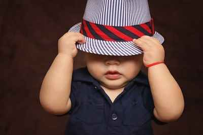baby-boy-hat-covered-101537.jpg